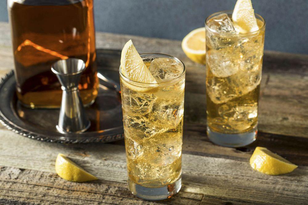 cómo tomar whisky